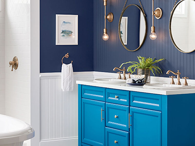 classic colour combinations blue and white bathrooms